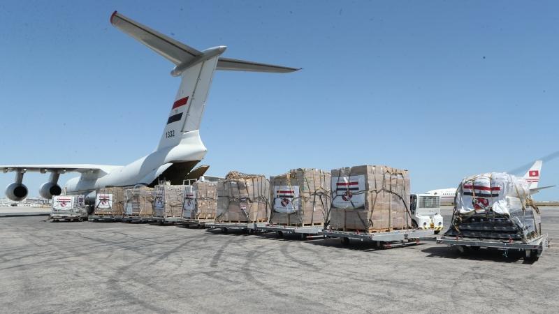 وصول طائرة عسكرية مصرية محملة بتجهيزات طبية إلى تونس