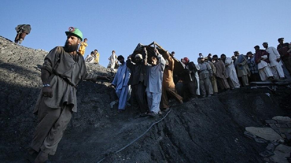 مقتل 4 أشخاص في انهيار أرضي بمنجم باكستاني