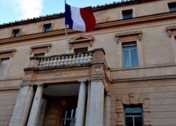 فرنسا تحذر رعاياها في تونس
