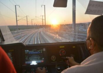 تأجيل التدشين الرسمي لخط الشبكة الحديدية السريعة الرابطة بين برشلونة -بوقطفة