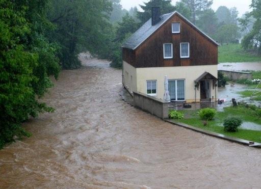 ألمانيا: 6 قتلى و60 مفقودا جراء الفيضانات