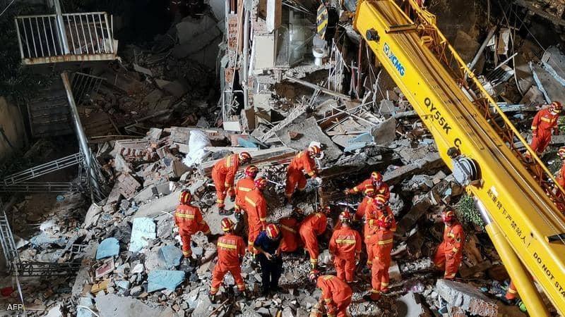8 قتلى في انهيار فندق بالصين