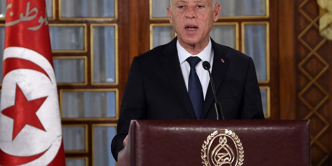 بين مُرحب ورافض لقرارات قيس سعيّد: تونس في انتظار رئيس الحكومة العاشر
