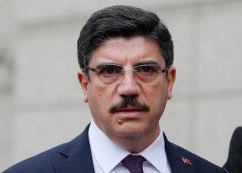 """مستشار أردوغان :"""" قوى الشر العربية والغربية أبت إلا أن تتآمر على تونس """""""