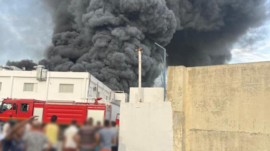 حريق يلتهم مصنع قطع غيار سيارات ببن عروس