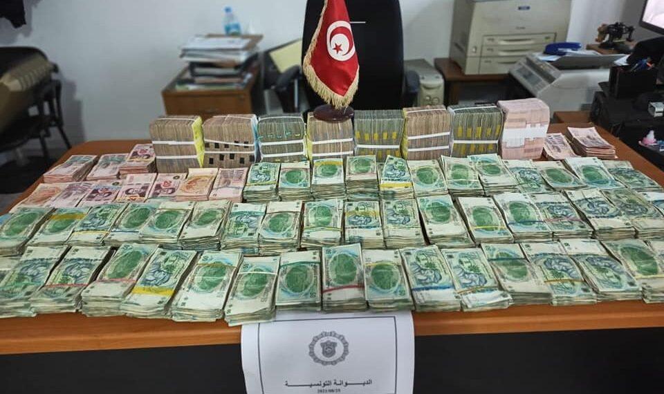 سوسة: حجز صكوك بقيمة 5،5 مليون دينار في محلات مهرّبين