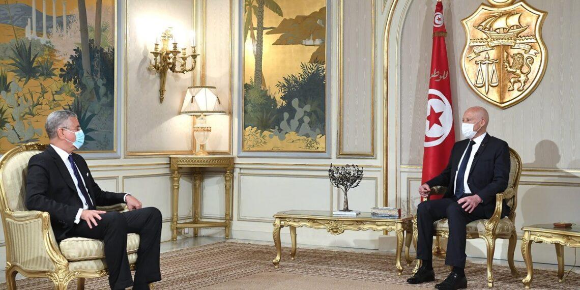 """رئيس الدولة: """"وجدت نفسي أمام خطر جاثم على البلاد..لذلك تدخلت"""""""