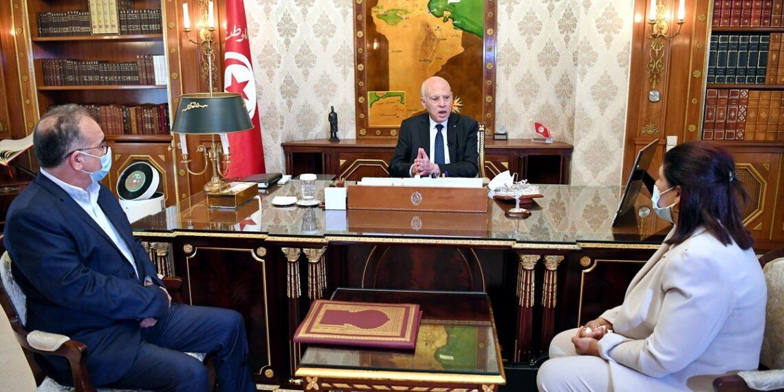 رئيس الجمهورية يوصي بالتسريع في صرف المساعدات الاجتماعية
