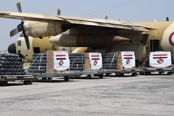 وصول 3 طائرات عسكرية مصرية محملة بمعدات طبية وكميات من الأكسجين إلى تونس