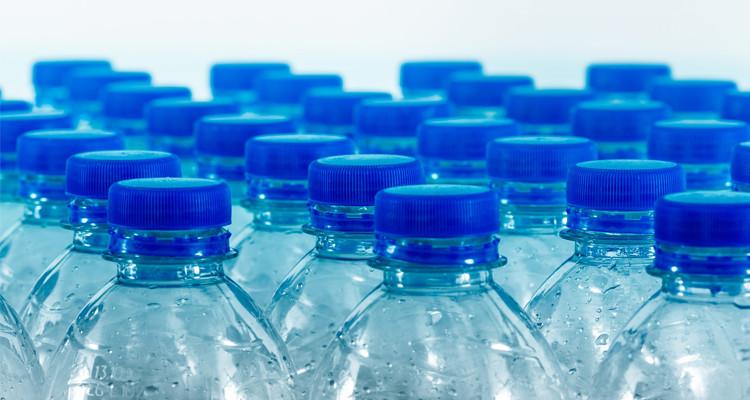 أريانة: حجز قرابة 15 ألف قارورة ماء معدني في مخزن عشوائي