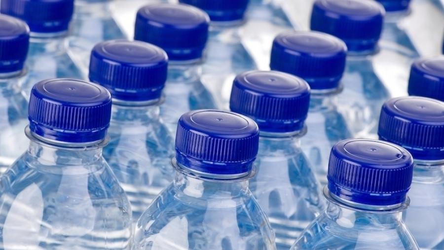 ارتفاع مبيعات المياه المعدنية في السوق التونسية