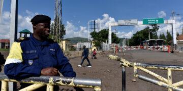 مسلحون يقتلون 16 شخصا ويحرقون منازل في شرق الكونغو