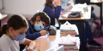 القصرين: إغلاق أقسام في مدرسة اعدادية بسبب إصابات كورونا