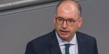 وزير الدولة الألماني في زيارة إلى تونس لإجراء محادثات سياسية