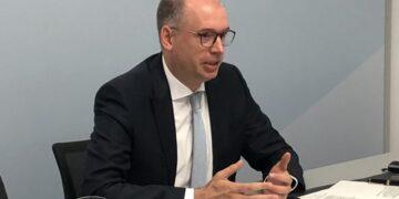 وزير الدولة الألماني يؤكد للطبوبي دعم المسار الديمقراطي في تونس