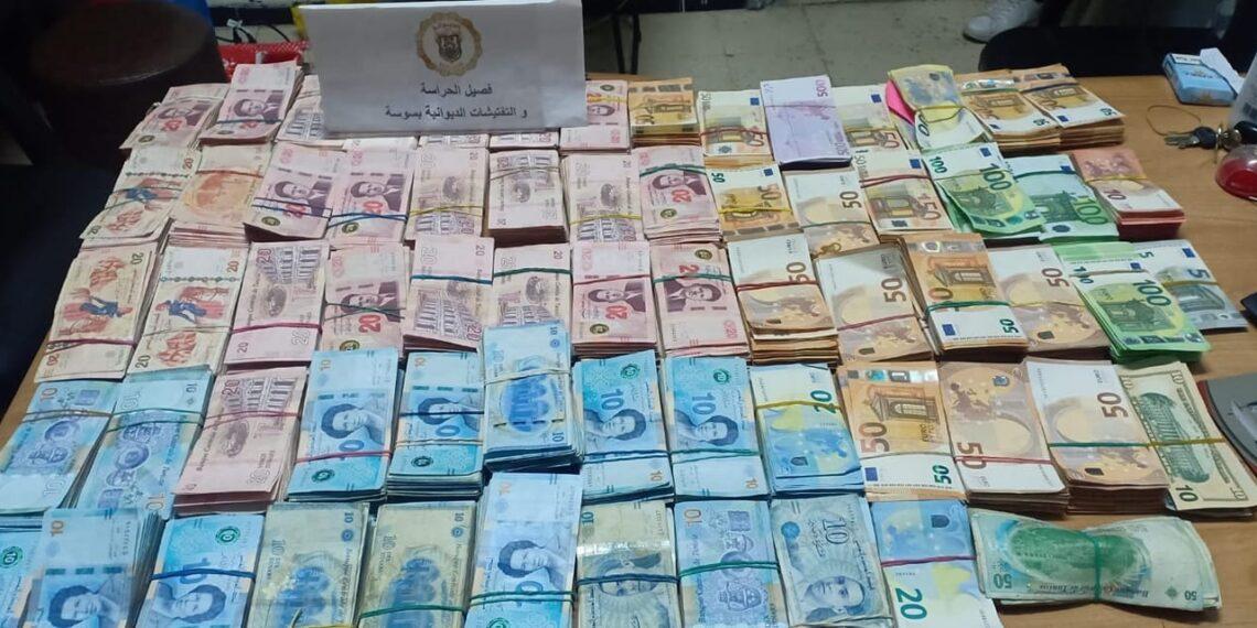 سوسة: الديوانة تحجز مبالغ هامة من العملة الأجنبية